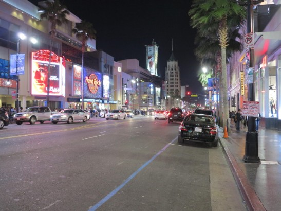 Hollywood Boulevardin turistista osaa illalla.