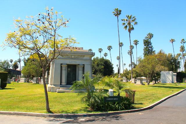 mausoleumi