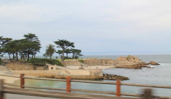 Ajoimme rannan tuntumassa menevää tietä, tässä vähän eteläisempi ranta.
