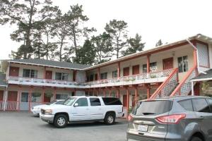 motel del monte pines monterey