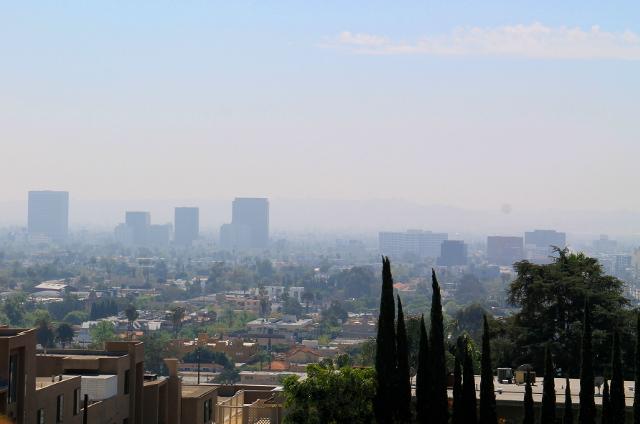 Näkymä kaupungille Sunset Stripiltä.