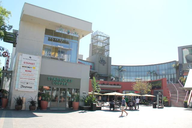 Ostari Hollywoodissa Santa Monica- tai Sunset Boulevardilla.