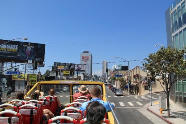 Sunset Strippiä turistibussin kyydistä.