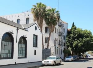 Hollywoodin vaaleita taloja.