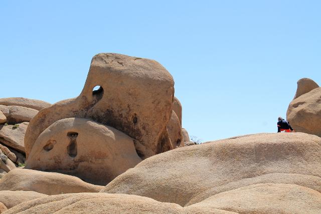 pyöreitä kiviä2