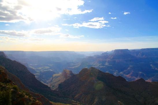 kanjoni auringon laskiessa