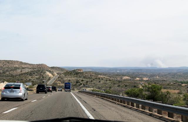 Pätkä Phoenixista Flagstaffiin kulkevaa tietä. Tämän tien sijaan Flagstaffiin kannattaa kulkea kuitenkin läntisempiä pienempiä maisemateitä.