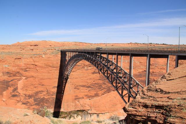 Silta Coloradojoen yli Pagessa.
