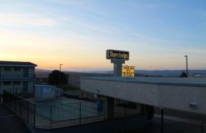 Page sijaitsee kukkulalla. Tässä näkymiä motelli Travelodgesta, jossa olimme kaksi yötä.