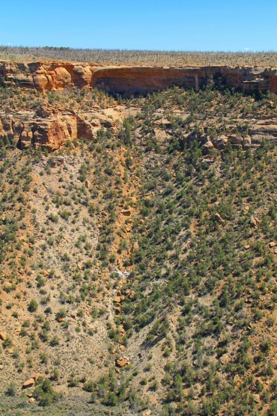 Tuokin kallioasumus sijaitsee tämmöisessä mäessä.