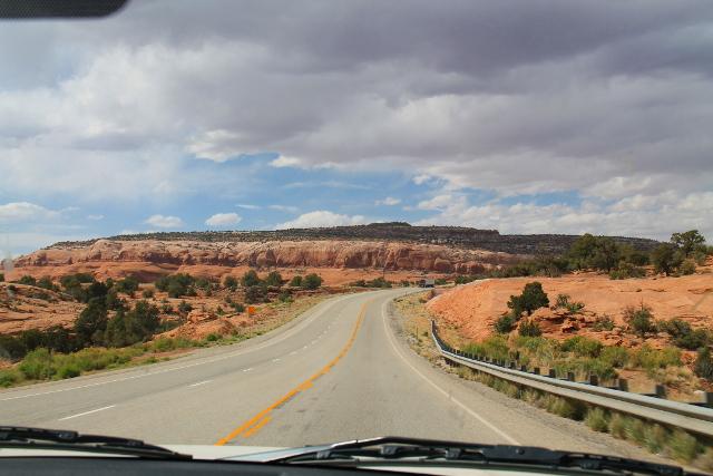 Tie Utahissa.