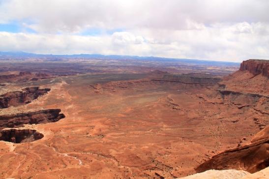 Canyonlandsin Grand View Pointista avautuu tällaista näkymää, kanjonia monikerroksisesti.