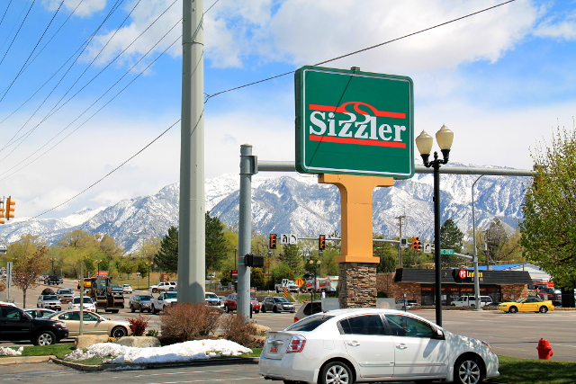 Tykkäsimme käydä Sizzlereissä syömässä silloin harvoin kun söimme ravintoloissa.