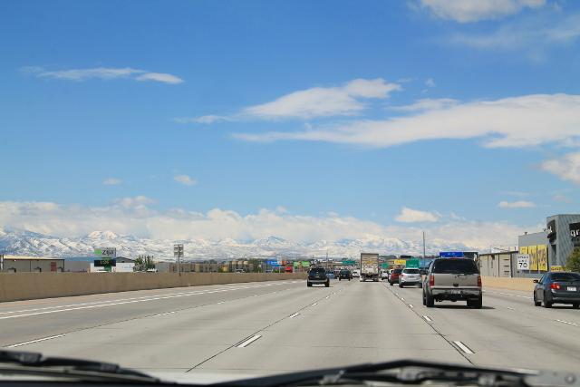 Salt Lake Cityn ympärillä oli lumihuippuiset vuoret.