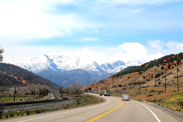 Kauniisti siinä vuoret taustalla kohti Salt Lake Citya mennessä.