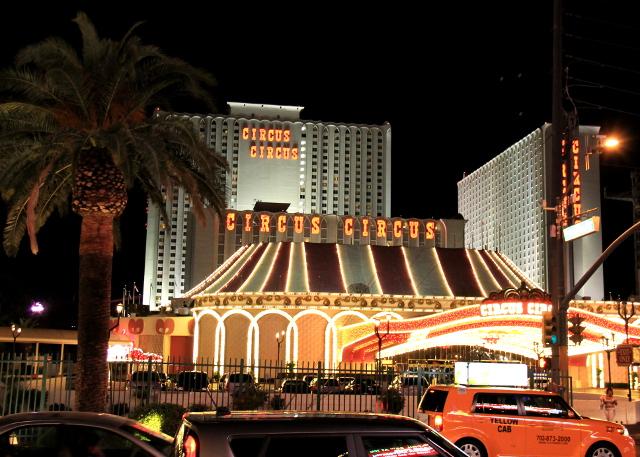 Circus Circus illalla.