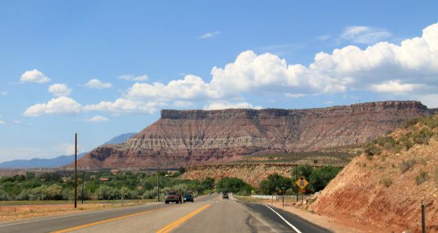 Mesa eli tasahuippuinen kukkula Zionin kansallispuiston jälkeen.