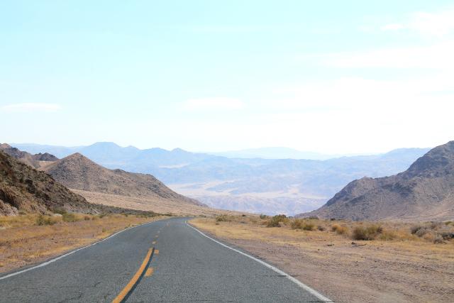 Tie alas Kuoleman laaksoon.
