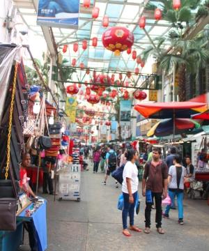 Kuala Lumpurista näin lähinnä vain Chinatownin. Varpaani oli murtunut ja sattui kävellä.