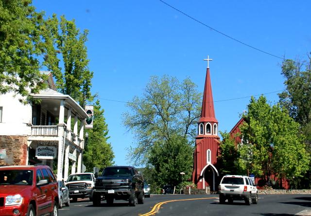 Sonoran kirkko näyttää norjalaiselta.