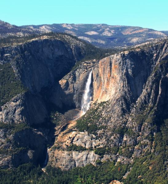 Yosemite Falls on Half Domen länsipuolella.