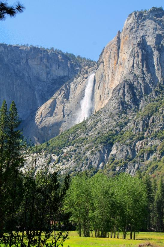 Yosemite fall laaksosta katsottuna.
