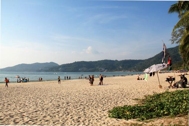 Patong Beach pohjoiseen.