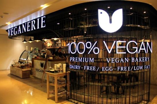 100 prosenttisesti vegaani