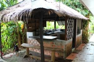 Majapaikkani keittiö, jonka jaoin muiden asukkaiden kanssa.