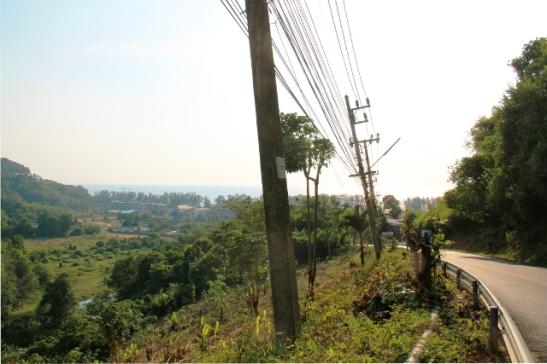 Nait Thonin ranta ylhäältä sinne saavuttaessa Nai Yangin suunnalta.