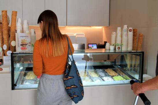 Veganistasta saa kahdeksaatoista jäätelömakua.