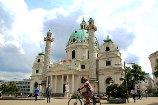 Karls Kirche.