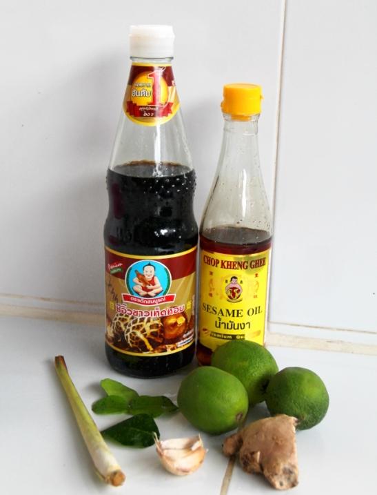 thaimaalaisia mausteita