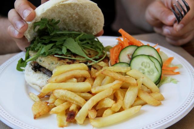 Cafe na Fabrican vegaaniburgeri.