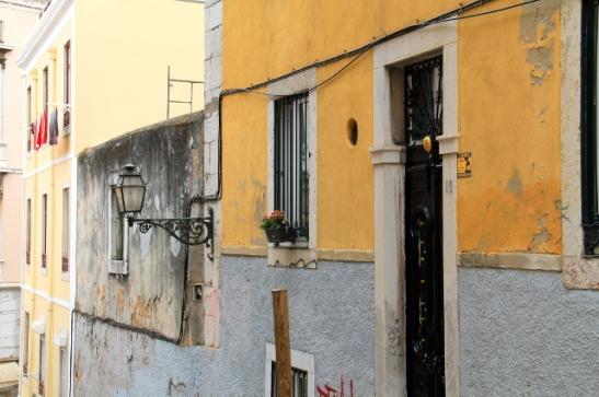 keltasininen seinä