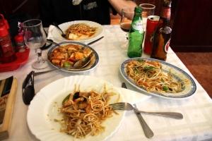 Sintrassa söimme kiinalaista ruokaa.