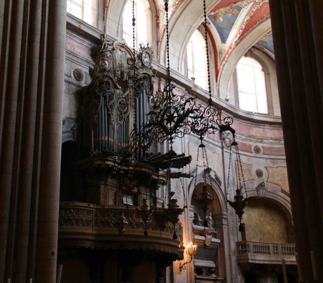 kirkko sisältä