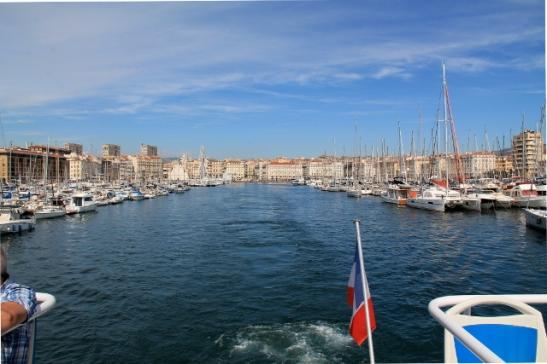 Marseillen vanha satama jää taakse.