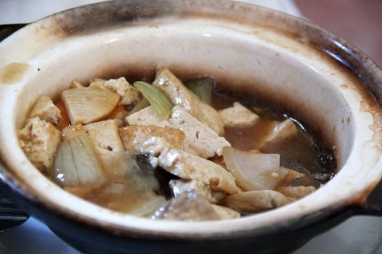 Tofupata Sintran kiinalaisessa ravintolassa. Vegaanien kannattaa suunnata kiinalaiseen ravintolaan jos ei muuta löydy.