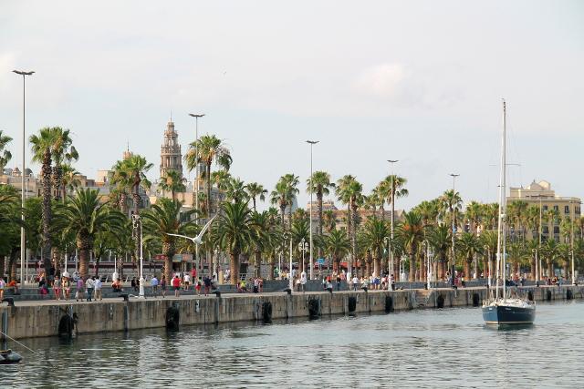 Barcelonetan kaupunginosan rantaa.