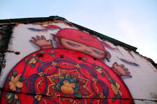 Alex Facen punainen kilpikonnapoika Phuket Townissa, maalattu vuonna 2016.