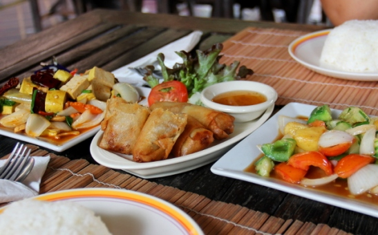 Baanpong Lodgen ruokia.