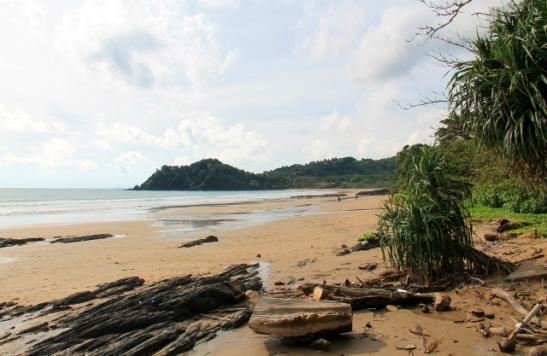 Kantiang Bay.