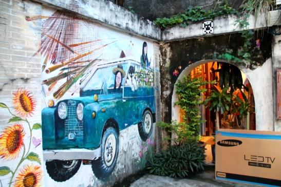 Seinämaalaus Phuket Townissa.