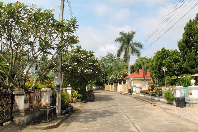 Tyypillinen asuinalueen katu.