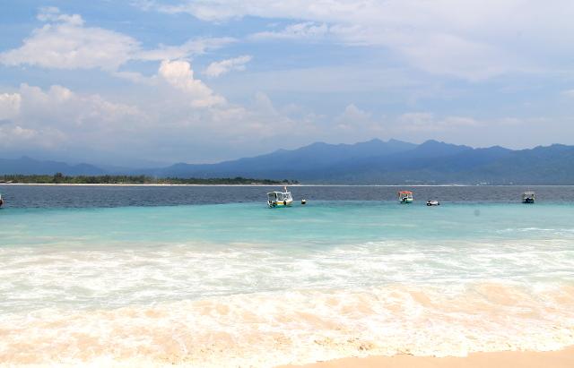 nakyma-airille-ja-lombokille