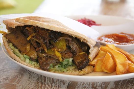 Kasvisravintola Zulan seitankebab.