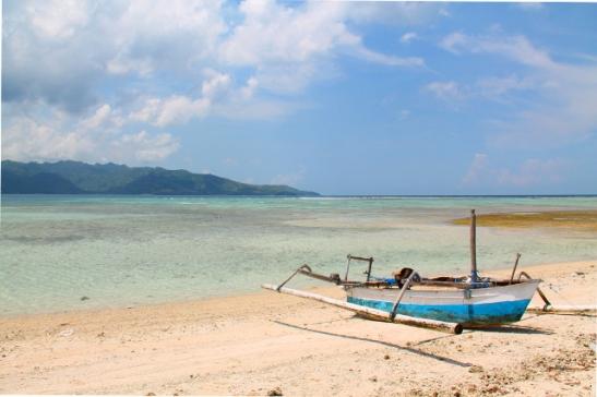Gili Air on Gileistä lähinnä Lombokin saarta, joka näkyy tässä taustalla.