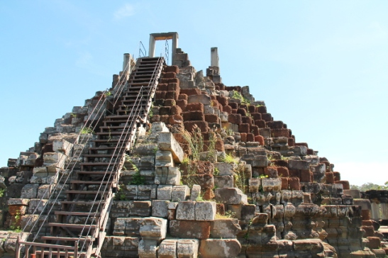 baphuonin-pyramidi