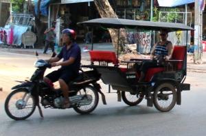 Kambodzalainen tuk-tuk.